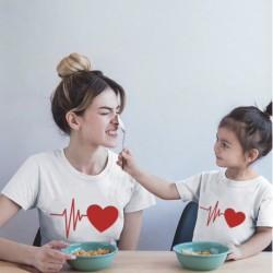 """Ensemble de deux T-shirts """"Battements de coeur"""""""